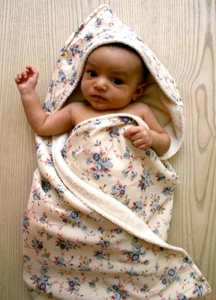 hooded-baby-towel-2-425